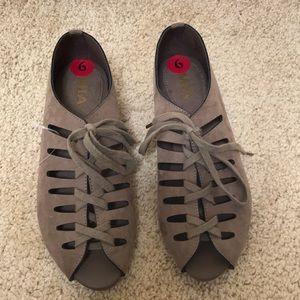 NWOT! Mia size 6, open toe lace up sandals .